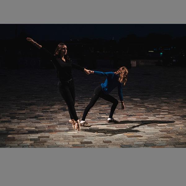 Une danse lunaire